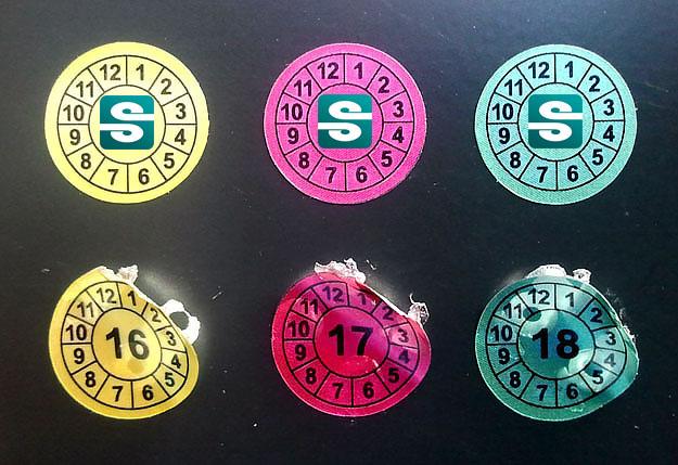 Stickery okrągłe z latami